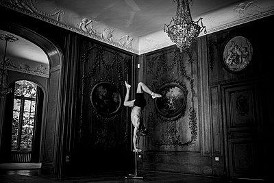 Acrobatics - p1295m2133579 by Katharina Bauer