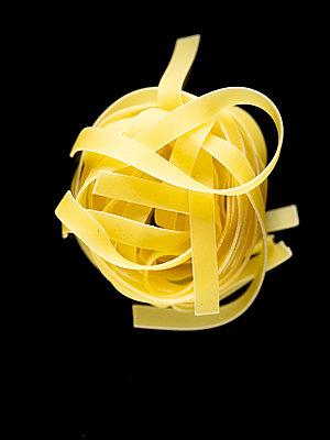 Ribbon noodles - p401m2191438 by Frank Baquet