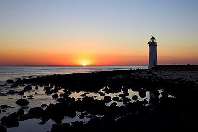 Sunrise in Port Fairy - p1399m2065860 by Daniel Hischer