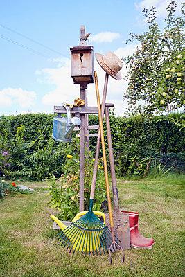 Gartengeräte - p464m1189755 von Elektrons 08