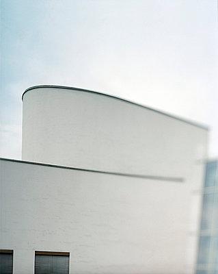 Moderne Architektur - p6060168 von Iris Friedrich