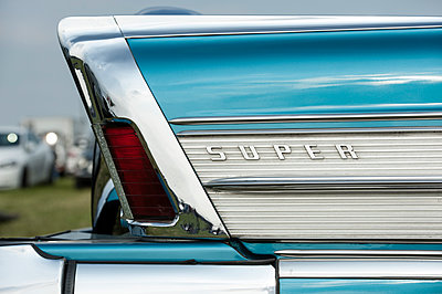 Blue buick car - p229m1138293 by Martin Langer