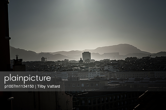 Small mist on Marseille - p1007m1134150 by Tilby Vattard
