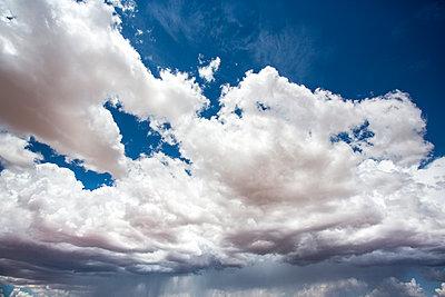 Sturmfront mit großer Wolke  - p1057m1466807 von Stephen Shepherd