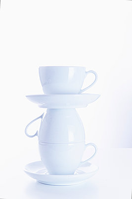 Stacked cups - p1149m2125287 by Yvonne Röder
