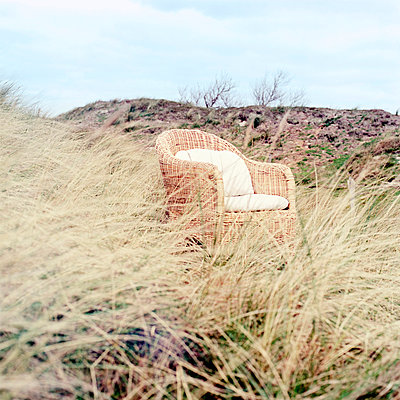 Platz in den Dünen - p989m907162 von Gine Seitz