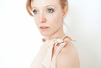 Pale young woman - p1012m892112 by Frank Krems
