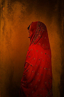 Indian woman in sari - p7940259 by Mohamad Itani