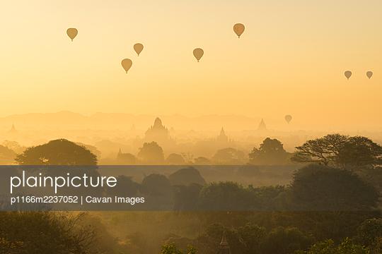 p1166m2237052 von Cavan Images