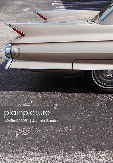Old Cadillac - p045m826051 by Jasmin Sander