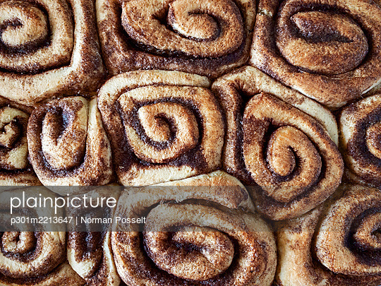 View from above cinnamon rolls - p301m2213647 by Norman Posselt
