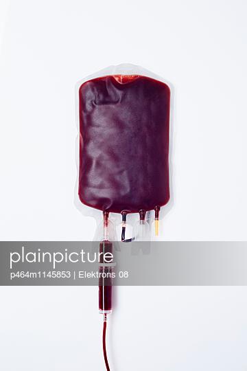 Blutkonserve - p464m1145853 von Elektrons 08