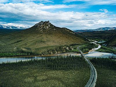 Highway im Yukon - p1455m2203776 von Ingmar Wein