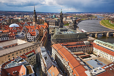 Germany, Dresden, Tower of Dresden Castle, Hausmann Tower and Cathedral, Elbe river - p300m1130045f von Bernados