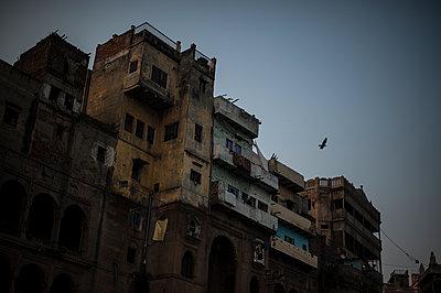 Varanasi - p1007m1059991 by Tilby Vattard