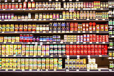 American Supermarket - p579m1203345 by Yabo