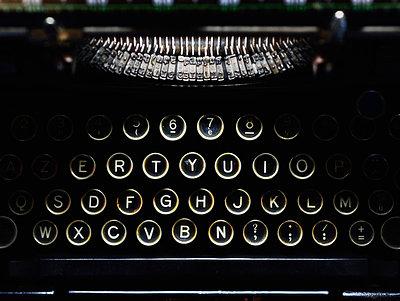 Schreibmaschine - p829m715921 von Régis Domergue