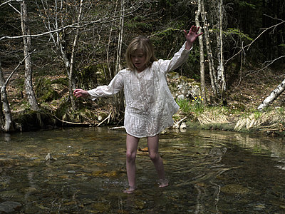 Girl on the river - p945m1589072 by aurelia frey
