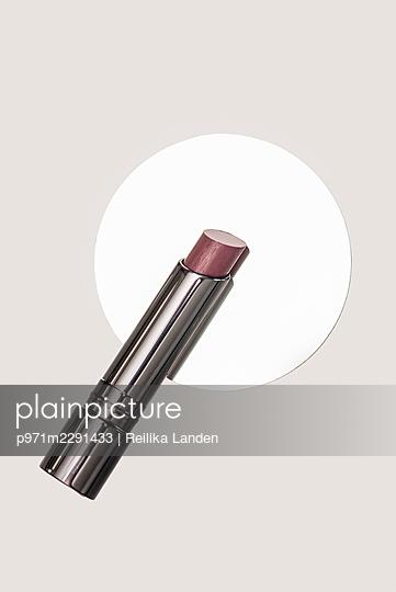 Lipstick on mirror - p971m2291433 by Reilika Landen
