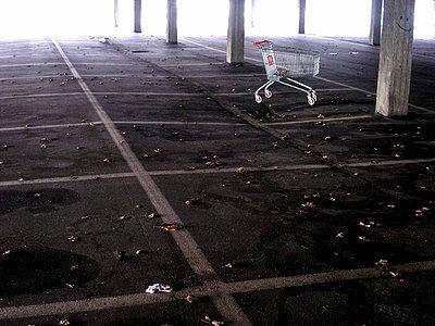 Underground carpark - p9792574 by Klueter