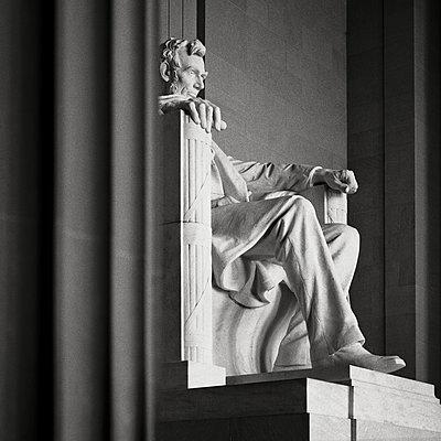 USA, Washington D. C. Gedenkstatue von Abraham Lincoln - p1154m2229535 von Tom Hogan