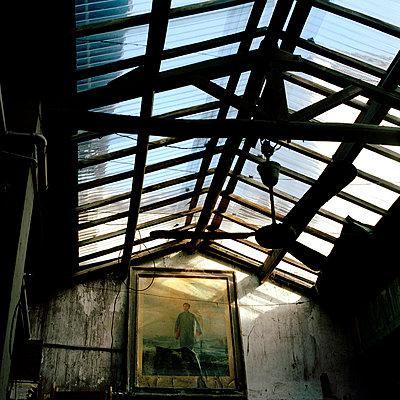 Leerstehendes Gebäude - p9490024 von Frauke Schumann