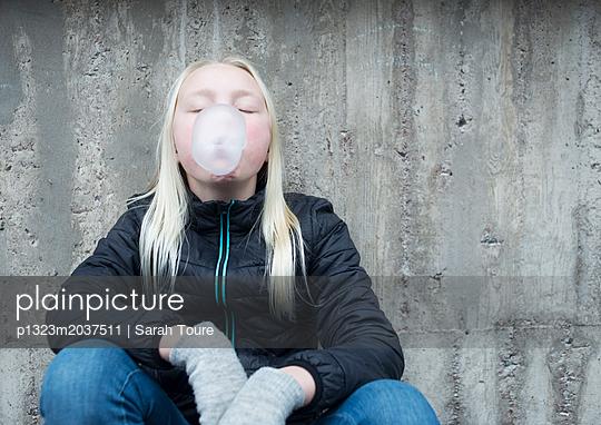 p1323m2037511 by Sarah Toure