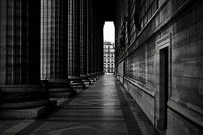 Säulen - p1276m1092754 von LIQUID