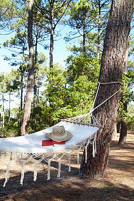 Still life with hammock - p4642016 by Elektrons 08