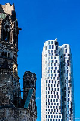 Hochhaus - p488m2026457 von Bias