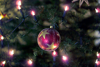 Christmas bauble - p502m1000642 by Tomas Adel
