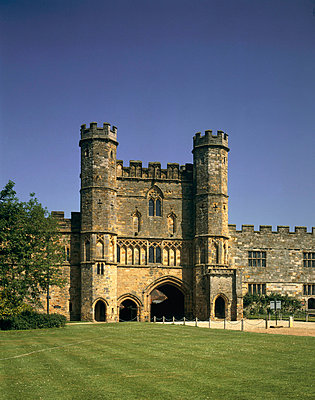 Battle Abbey. Great Gatehouse from South. . - p8551694 by Paul Highnam