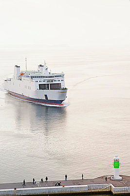 View of entering ferryboat at harbour entrance with lighthouse - p30020860f by Mel Stuart