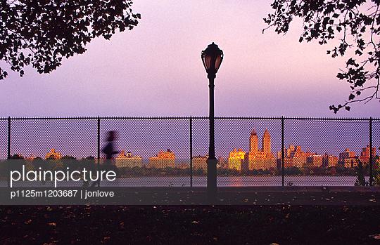 Central park reservoir runner - p1125m1203687 by jonlove