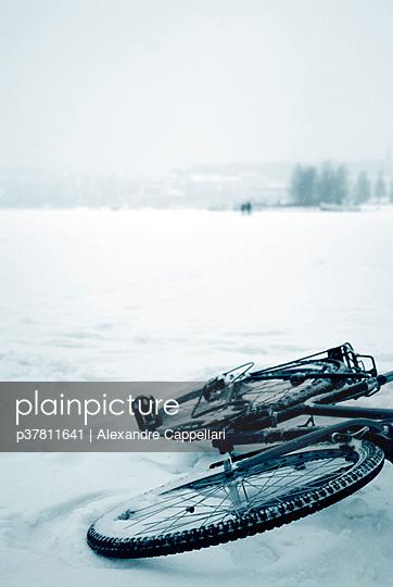 Bicycle over frozen water - p37811641 by Alexandre Cappellari