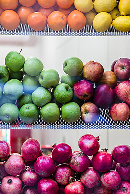 Fruit on display in shop - p343m2002752 by Ron Koeberer