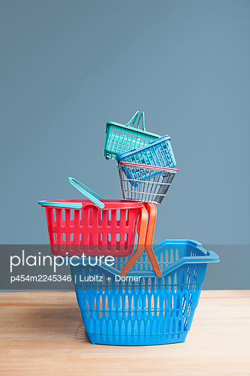 Shopping - p454m2245346 by Lubitz + Dorner