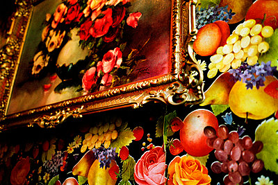 Floral painting on patterned wallpaper wall - p388m701462 by Jim Green