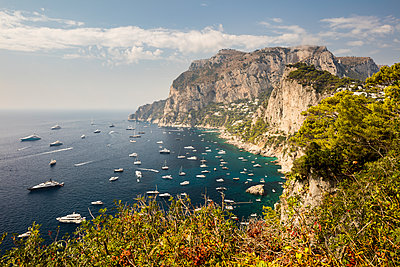 Italy, Yachts off the coast of Capri - p834m2259066 by Jakob Börner