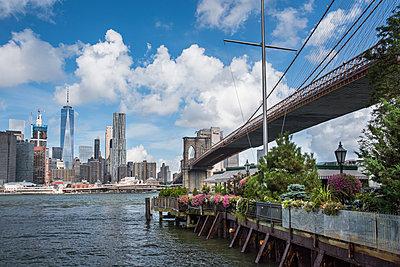 Brooklyn Bridge N.Y. - p954m1171288 von Heidi Mayer