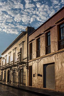 Old building - p1170m1574360 by Bjanka Kadic