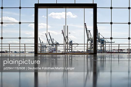 Hamburger Hafen - p229m1152608 von Martin Langer