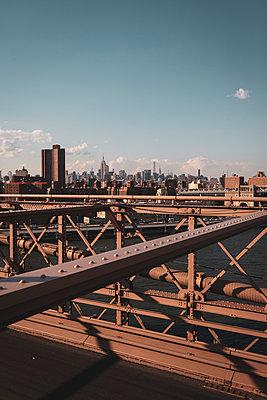Steel construction, Brooklyn Bridge, New York City - p1598m2164423 by zweiff Florian Bier