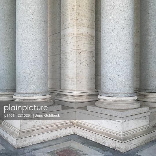 Rom, Columns - p1401m2210261 by Jens Goldbeck
