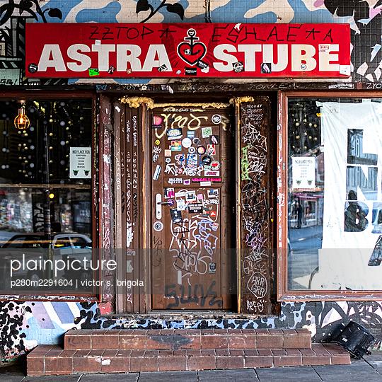 Astra Stube - p280m2291604 von victor s. brigola