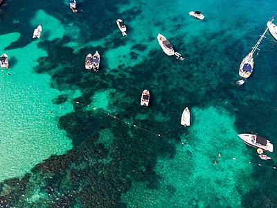 Spain, Mallorca, Palma de Mallorca, Aerial view of Calvia region, El Toro, Portals Vells - p300m2069254 by Martin Moxter