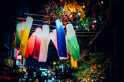 Paper lanterns - p680m1511686 by Stella Mai