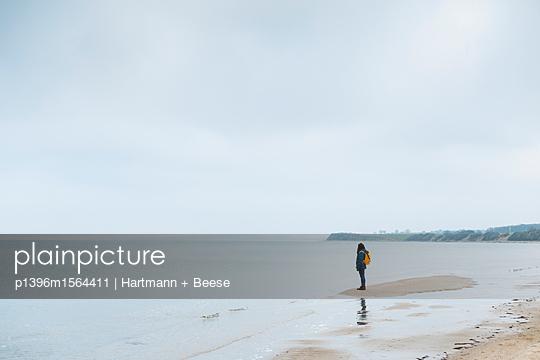 Strandspaziergang - p1396m1564411 von Hartmann + Beese