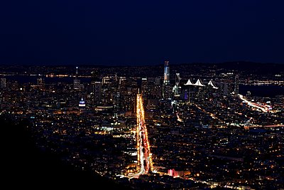 View from Twin Peaks at night - p1399m1528864 by Daniel Hischer