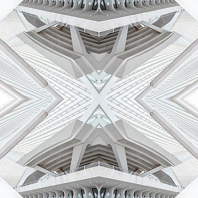 Abstract kaleidoscope pattern Liège-Guillemins station in Liège - p401m2209314 by Frank Baquet